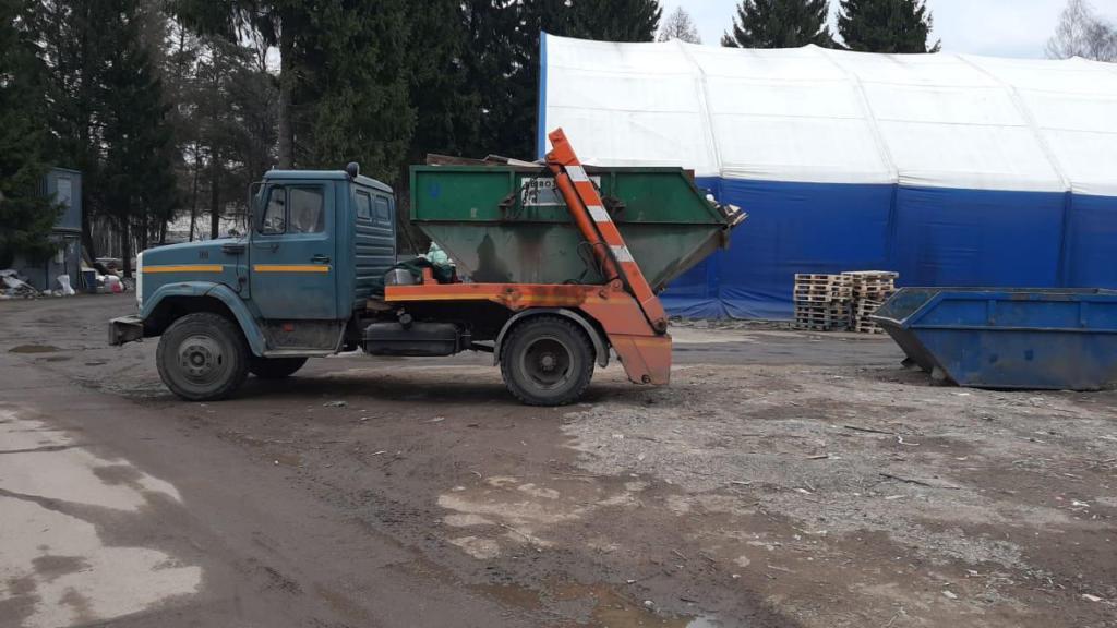 Выбор контейнера для вывоза мусора - фото